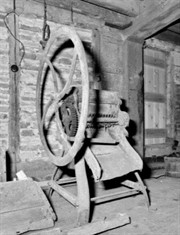 Mill Machinery, © Crown copyright, EH