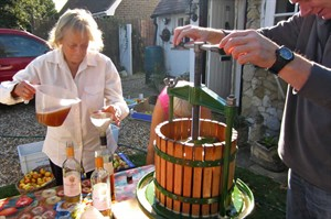 Apple Pressing